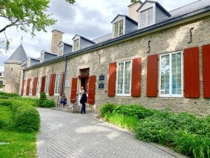Read more about the article Le Château Ramezay: l'histoire de Montréal en 2 heures