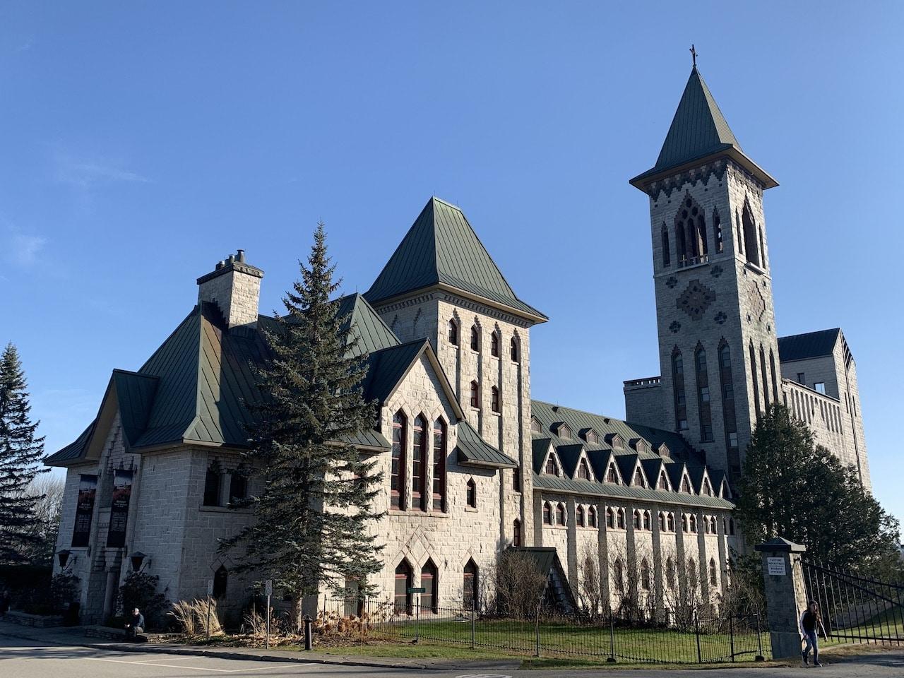 Découvrez l'Abbaye de Saint-Benoît-du-lac
