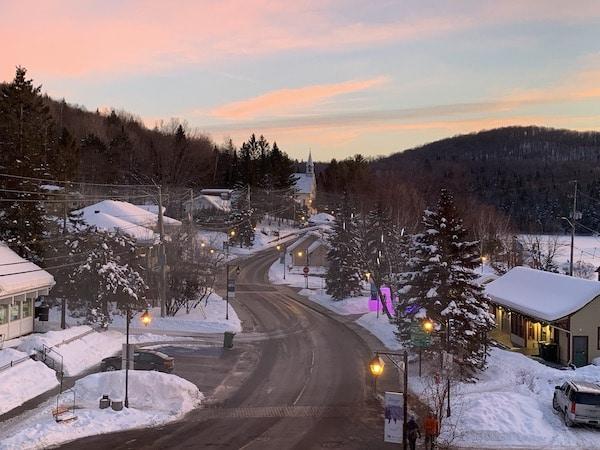 Vieux village de Tremblant Vue de lhotel 1 LM Le Québec