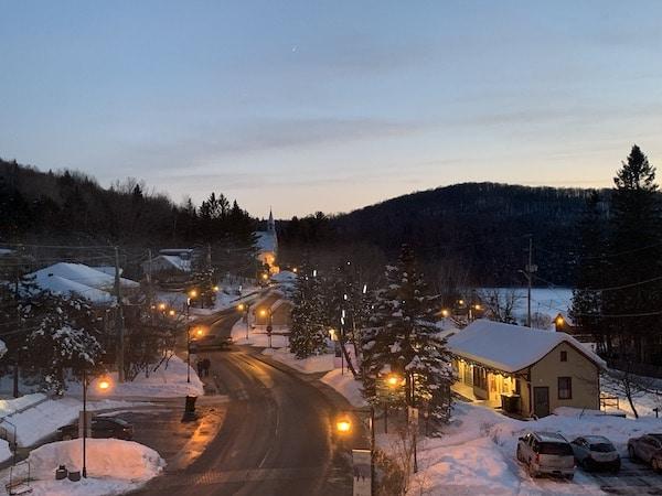 Vieux village de Tremblant Vue de lhotel 2 LM Le Québec