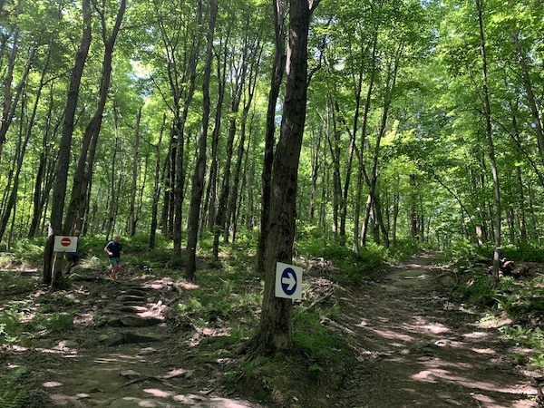 Indications au Mont Shefford LM Le Québec