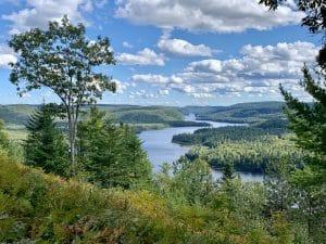 Read more about the article Visiter les parcs de la SEPAQ ou de Parc Canada ?